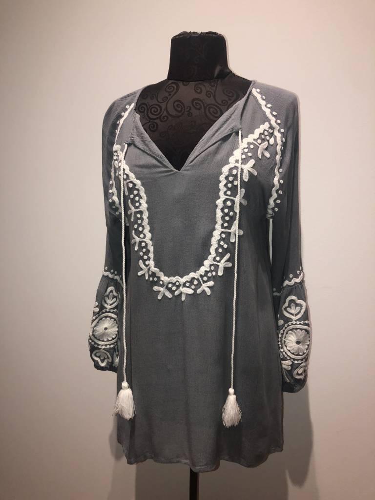 America & Beyond Boho Madala Embroidered Tunic
