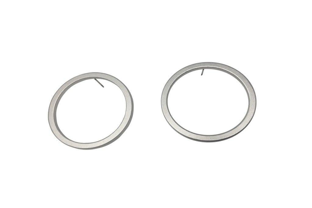 Perfect Circle Earrings: Matte Silver