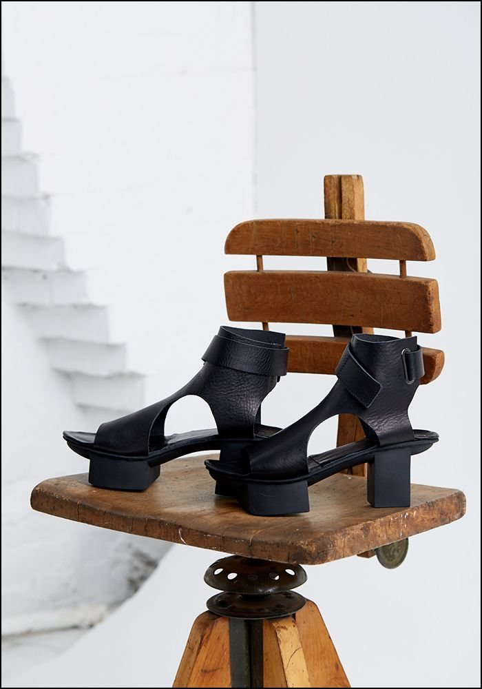 Bollard Platform Sandal