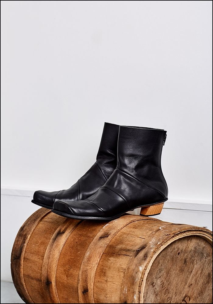 Cydwoq Leather Boot