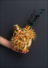 Porcelain Heart Wall Vase Gold Thorn