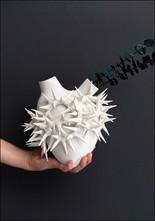 Porcelain Heart Wall Vase White Thorn