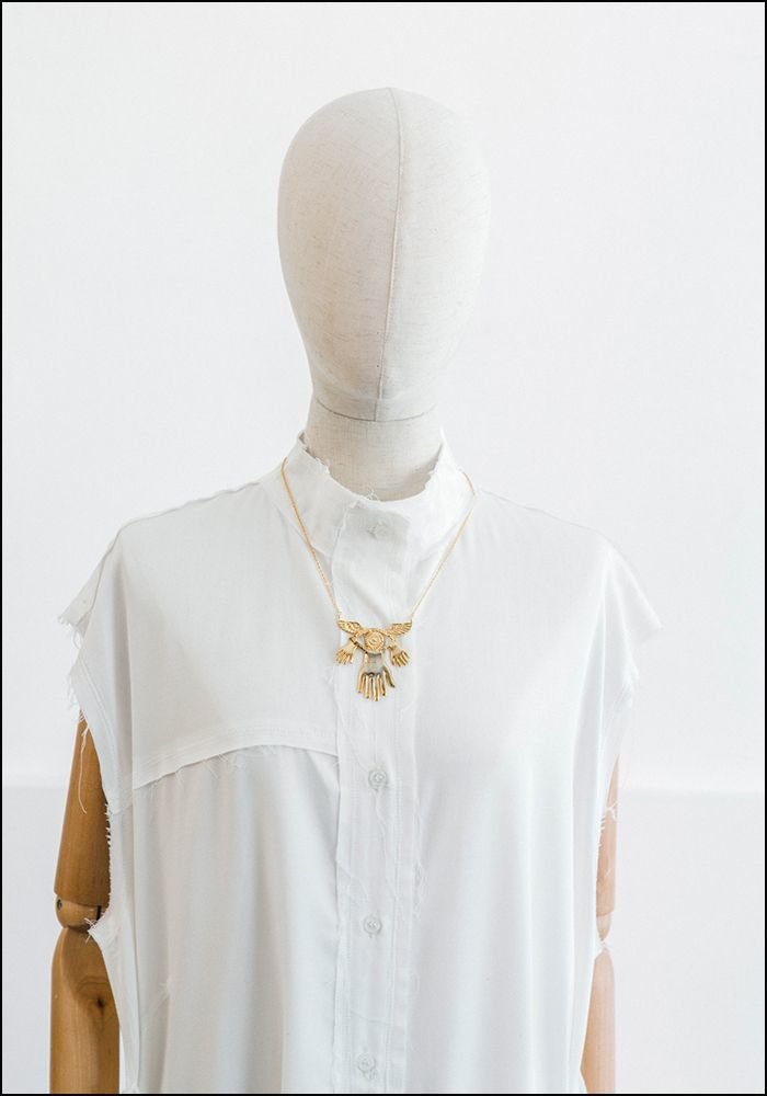 Sophie Simone Sophie Simone Mysterious Hand Wings Eye Necklace