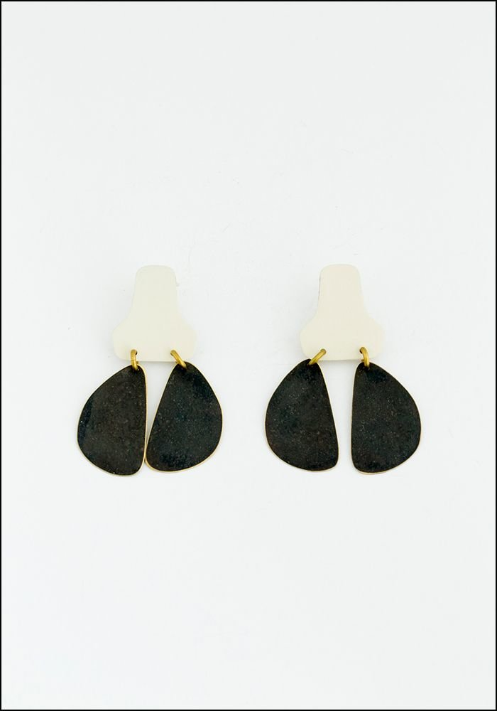 Stepping Stone Cream Earrings
