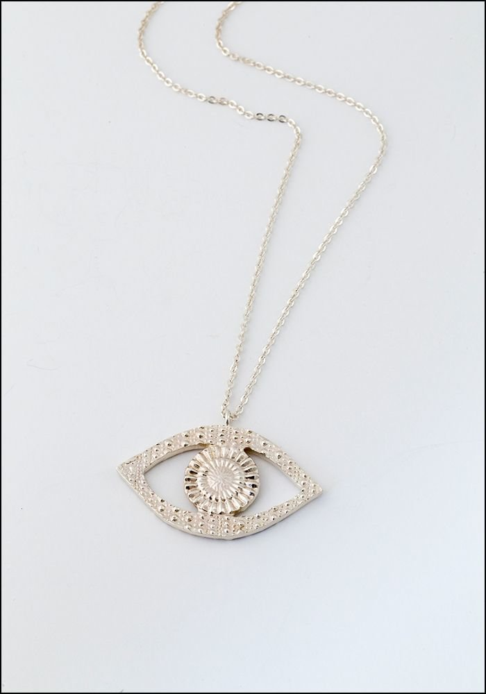 Sophie Simone Sophie Simone Textured Eye Necklace