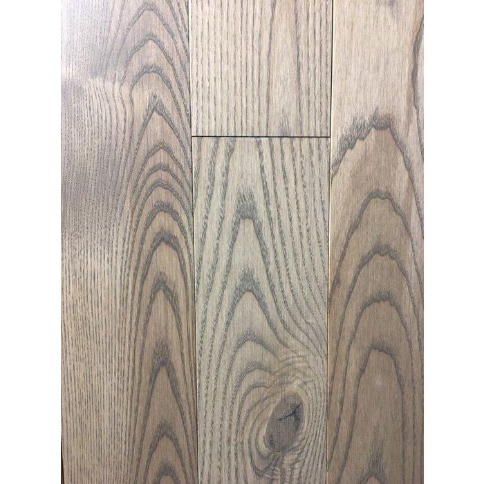 Plancher de Bois Franc Canadien FRENE couleur PYRAMIDE FINI MAT MAT 4-1/4   grade RUSTIQUE