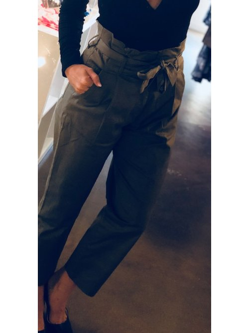 Olive Highwaisted Pant