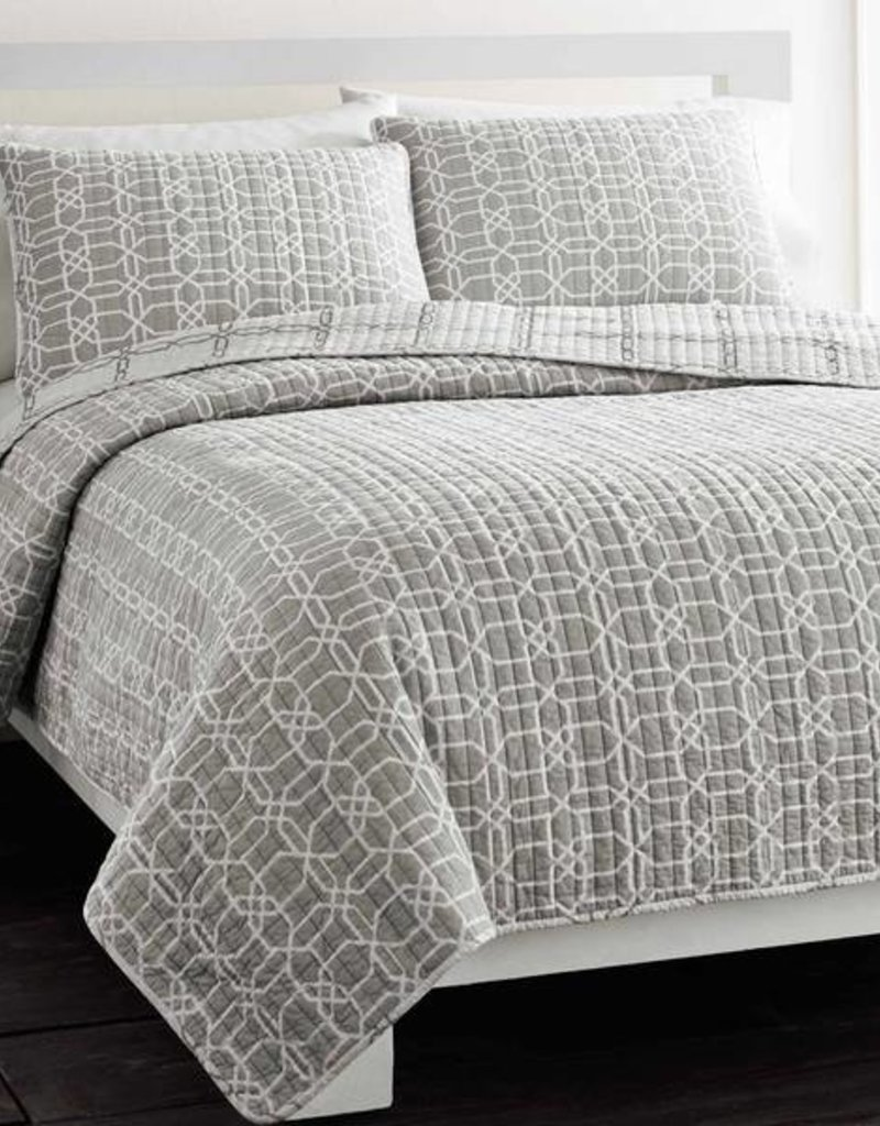 New New Horizons Geometry Grey Queen Quilt and Shams