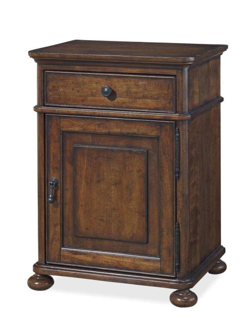 Universal Furniture Dogwood Lowtide Nightstand