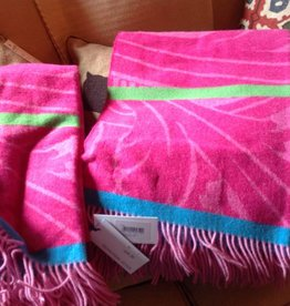 Designers Guild Merino Lambs Wool Throw Fuchsia
