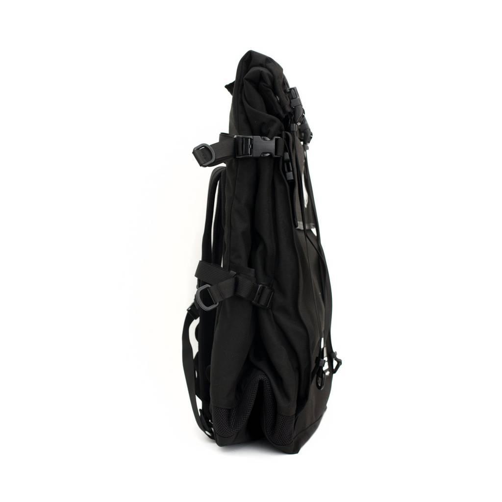 ILE X MASH XL Roll Top Backpack Black