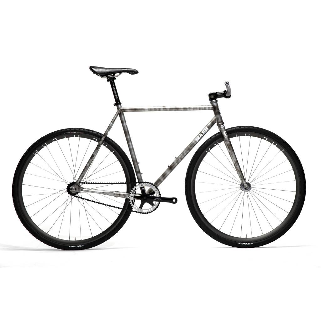 https://static.shoplightspeed.com/shops/616120/files/007437329/mash-steel-frame-set-silver-smoke.jpg