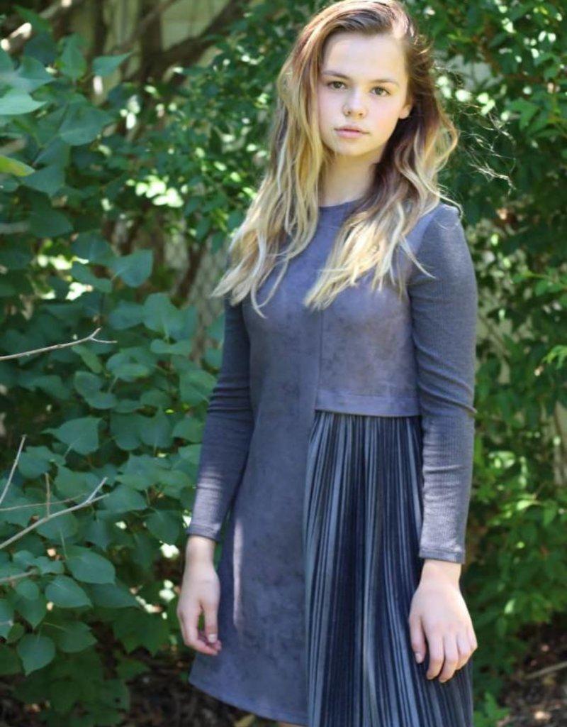 Picadilly Dress Grey Plisse