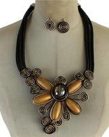 Wrapped Petals Necklace Set