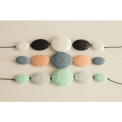 Little Teether Chic Teething Necklace