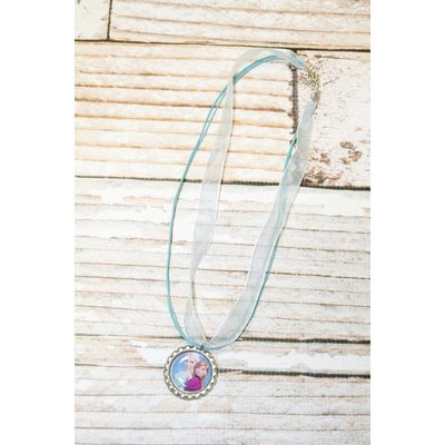 FROZEN THIN NECKLACE.LT BLUE