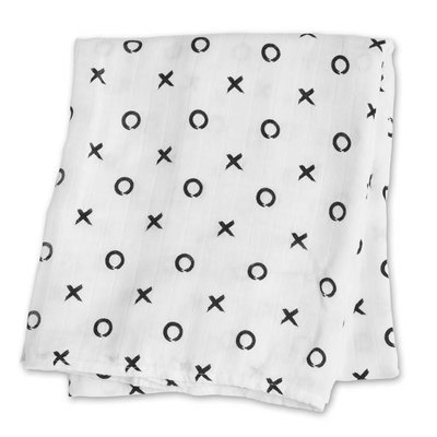 lulujo Lulujo Hugs & Kisses Bamboo Swaddle – 47×47″