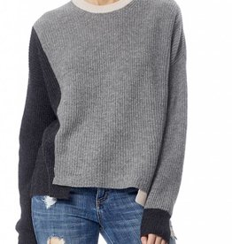 Akima sweater