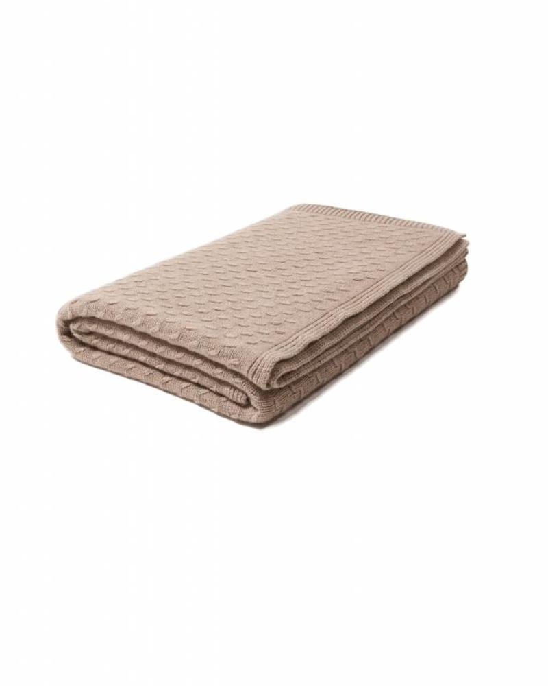 "FILETTO: 100% CASHMERE THROW: 52"" X 74"": CAMEL"