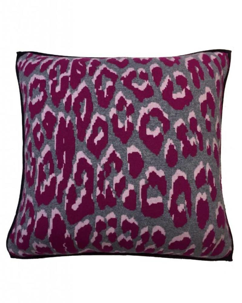 """KNITTED LEOPARD PILLOW: 21"""" X 21"""": PINK"""