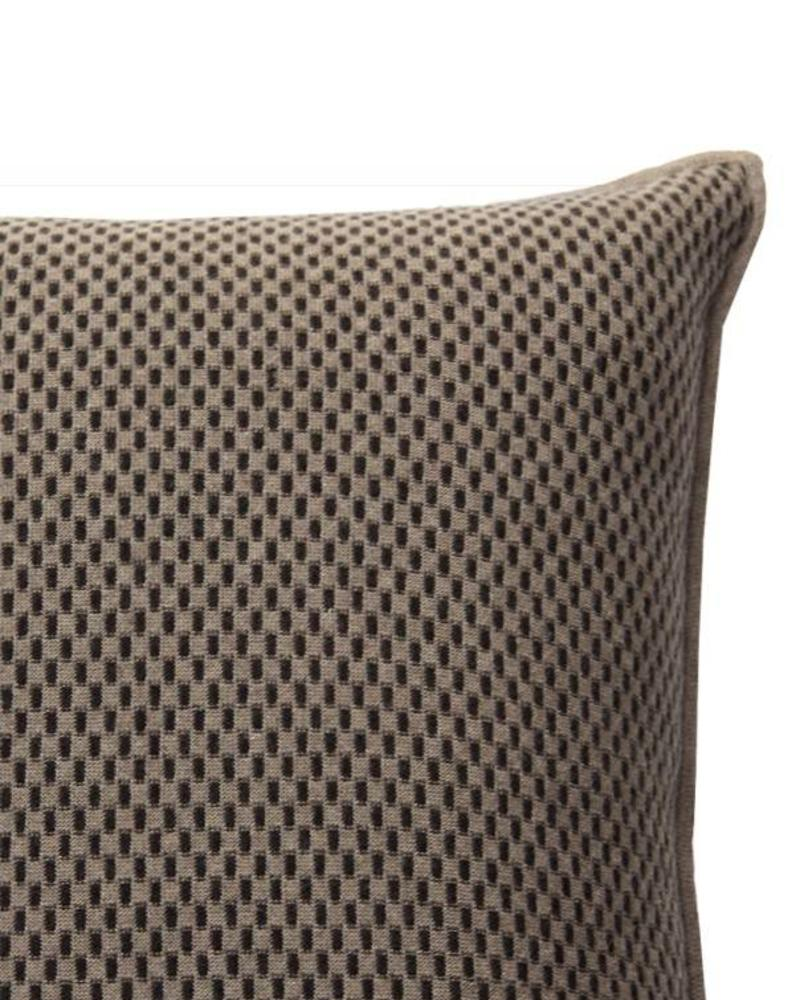 "CASHMERE BLEND INTRICATE KNIT PILLOW: 21"" X 21"": SAND-BROWN"