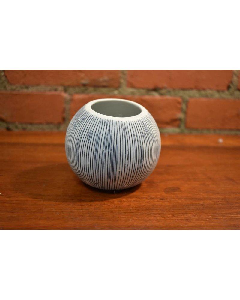 Pettra S Vase (Blue)