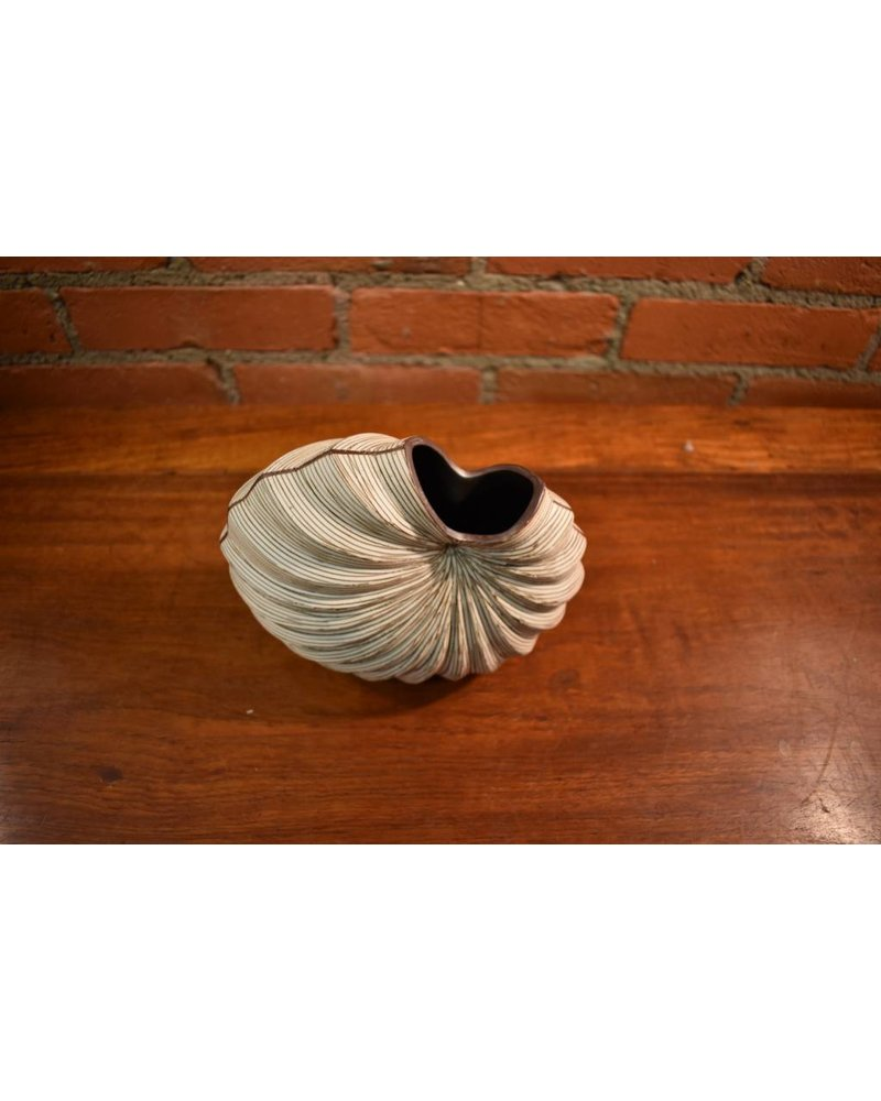 Palm Small Vase (Brown)