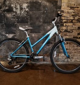 CONSIGNMENT: Trek 3900 WSD Blue - 15""