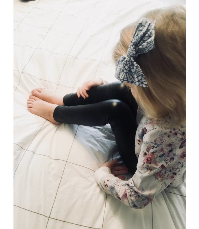 Perfect Little Wonders Perfect Little Wonders Faux Leather Leggings