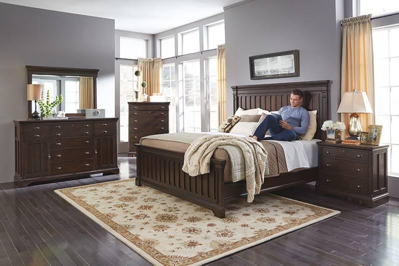 CLEARANCE W1021 90QDISC Flexsteel/Wynwood Walnut Creek Queen Bed DISC