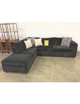CLEARANCE1100-UltiEbony Hughes STNRY Sectional