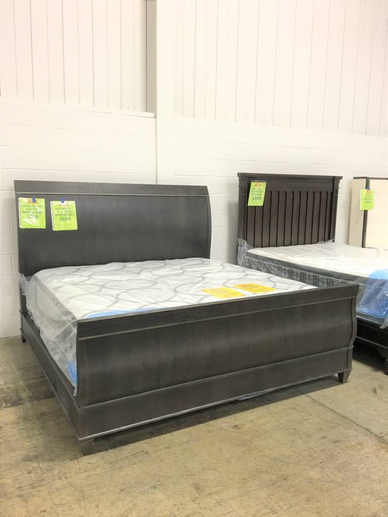 ART Furniture 214156-2304DISC ART Greenpoint King Sleigh Bed