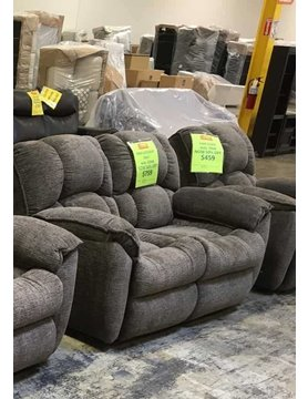 739-21P22018DISC Southern Motion Weston PWR RNCLR Loveseat
