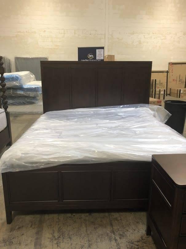 Flexsteel/Wynwood W1008-91KDISC Flexsteel/Wynwood Sterling King Panel Bed DISCONTINUED