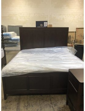 Flexsteel/Wynwood W1008-91QDISC Flexsteel/Wynwood Sterling Queen Panel Bed DISCONTINUED