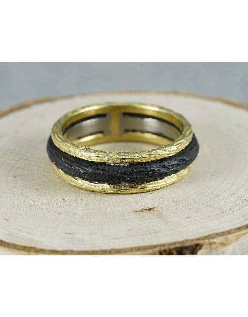 Sarah Graham Metalsmithings Pebble Triple Stack Ring with Bold Center YG/CC