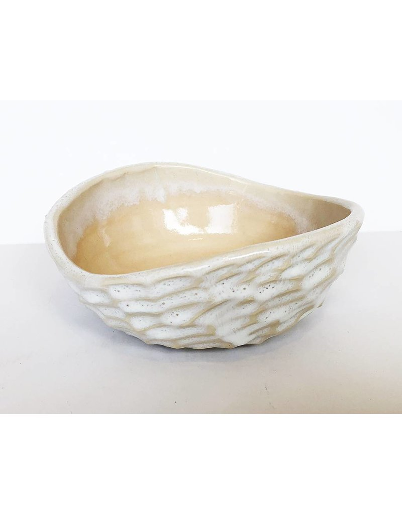 Unurth Ceramics Shell Spice Bowl-Peach/White