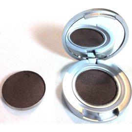 Shipping Catwalk RTW Eyeshadow Compact