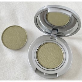 Eyes Bare Feet RTW Eyeshadow Compact