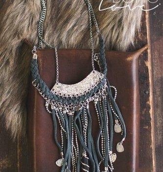 Boho Love Drop Tassel & Pendant Necklace
