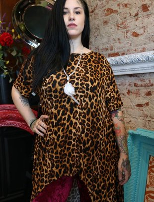 LUCKY & BLESSED LEOPARD HI/LOW TUNIC