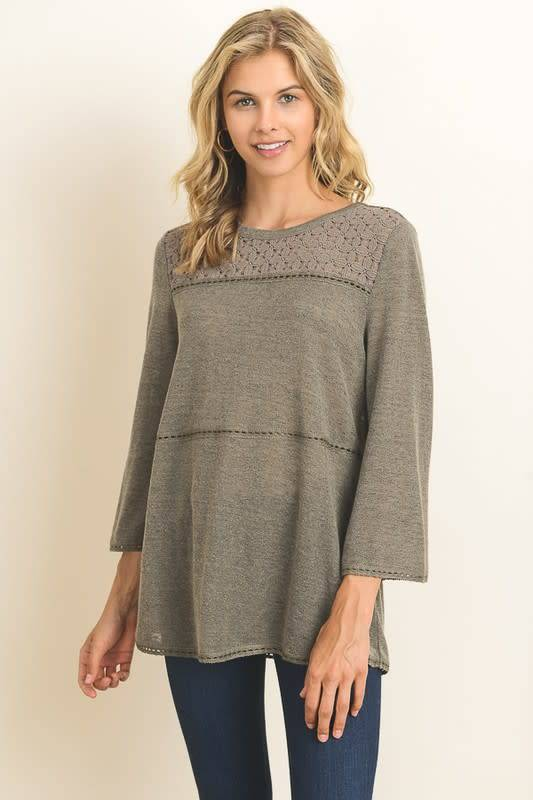 LACE INSET WOVEN KNIT TOP