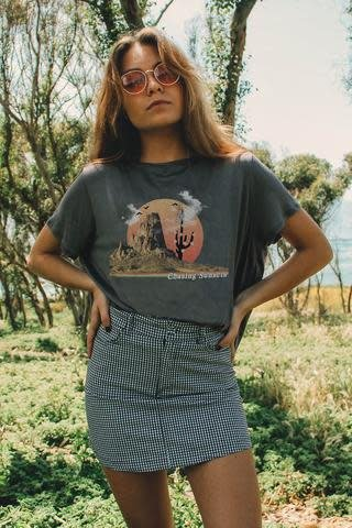 LIFE CLOTHING CO CHASING SUNSETS SUNNY TEE