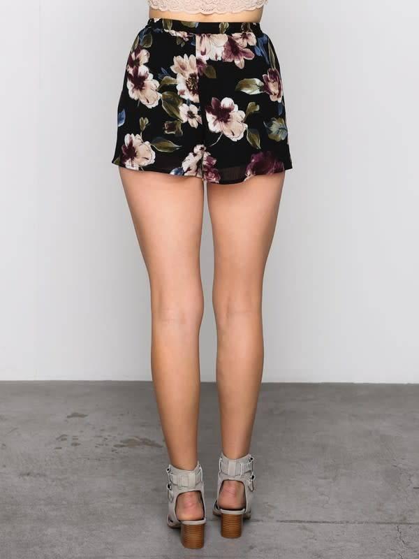 Hi Waist Floral Tie Front Shorts