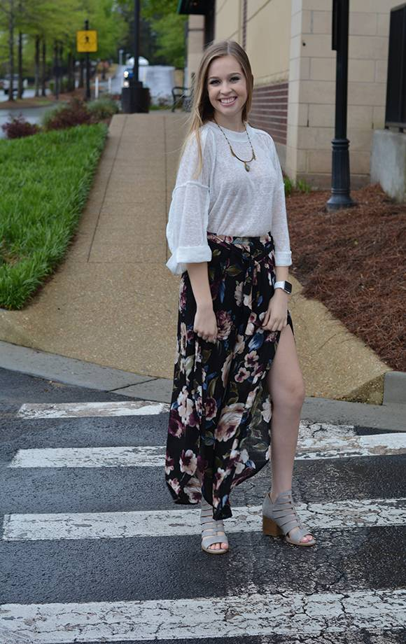 Flowy Floral Tulip Cropped Pants