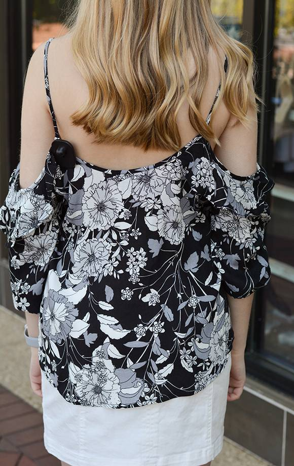 Rene Cold Ruffle Shoulder Floral Prt Top
