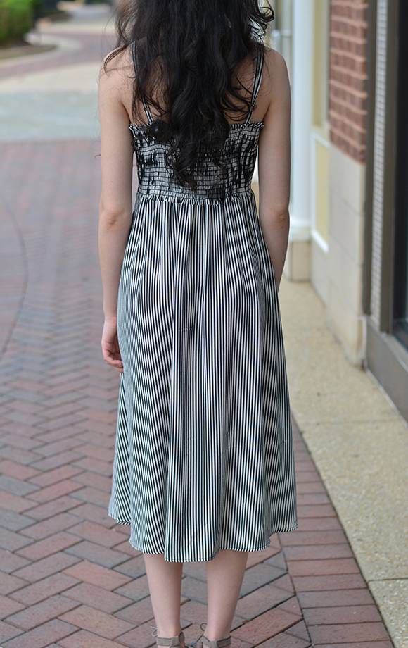 Sweeheart Bodice Button Det Midi  Dress