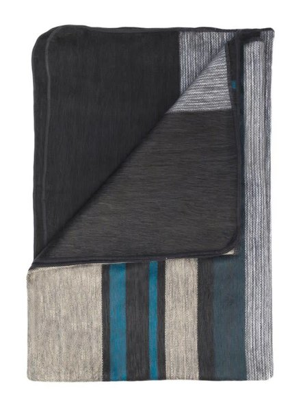 Shupaca Modern Onyx Throw