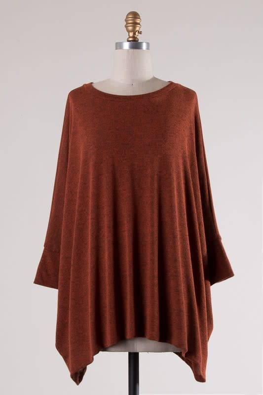 cherish 3/4 Sleeve Asymmetrical Hem Top