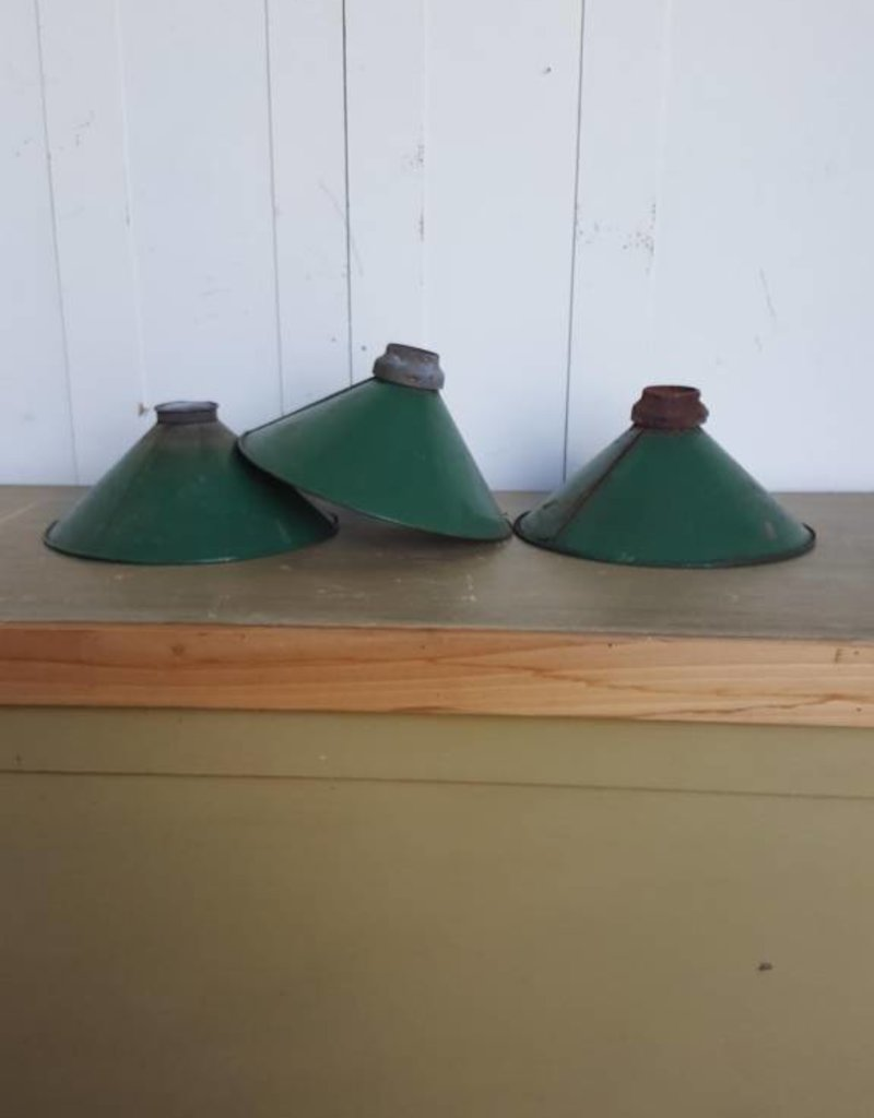 R&F Industrial Porcelain Pendant Light - Small